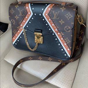 Authentic LTD Louis Vuitton Brogue Métis Pochette
